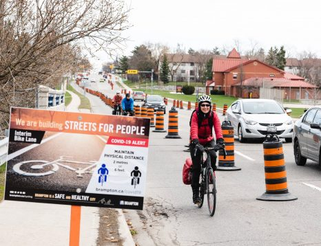 Aménagement piste cyclable temporaire - Brampton (Canada)